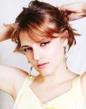 Junge schöne reizvolle Brunettefrau Stockfotos