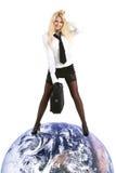 Junge schöne Geschäftsfrau überwinden Erde Stockfoto
