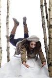 Junge schreiende Frau auf Schlitten Lizenzfreies Stockfoto