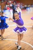 Junge Tänzer, die dem 18. Wettbewerb Guangdongs Dancespots Chamionship sich anschließen Stockbild