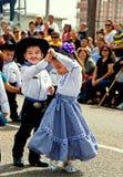 Junge Tänzer am Festival lizenzfreie stockfotos