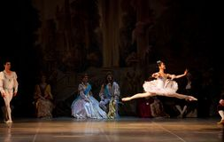 Junge Tänzerballerinen im klassischen Tanz der Klasse, Ballett Lizenzfreie Stockfotografie