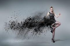 Junge Tanzenfrau Stockbilder