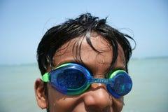 Junge tragende googles Lizenzfreie Stockbilder