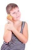 Junge und ein Shell. Lizenzfreies Stockfoto