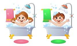 Junge und Mädchen im Badezimmer Stockbilder