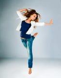 Junge und schöne Tänzeraufstellung Lizenzfreie Stockfotos