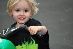 Junge und sein Fahrrad Stockbild