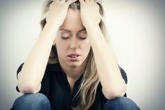 Junge unglückliche Frau in der Krise Lizenzfreies Stockfoto