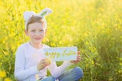 Junge zu Ostern-Zeit stockbilder