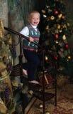 Junge zur Weihnachtszeit Stockfotografie