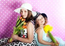 Junge zwei hübsche Mädchen Stockbild