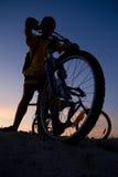 Jungen auf Fahrräder Stockfoto