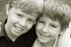Jungen-Freundschaft Stockfoto