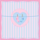 Jungen- oder Mädchengeburtspostkarte mit Schätzchensocken. Stockbilder