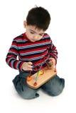 Jungen-Spielen stockfotos