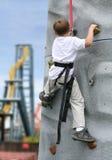 Jungen-Steigen Stockbilder