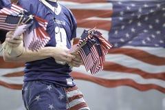 Jungen und Flaggen Lizenzfreie Stockfotografie