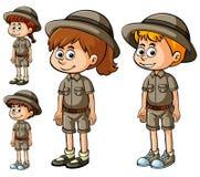 Jungen und Mädchen in der Safariausstattung stock abbildung