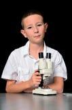 Jungen-Wissenschaftler stockfotografie