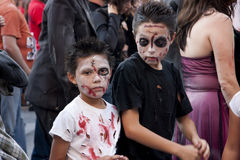Jungen-Zombies Lizenzfreie Stockfotos