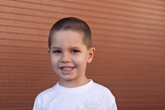 Jungenlächeln Lizenzfreie Stockfotografie