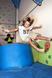 Jungenspielen Lizenzfreie Stockfotografie