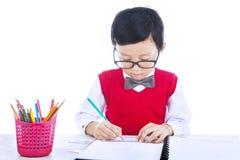 Jungenzeichnung getrennt auf Weiß Lizenzfreies Stockfoto