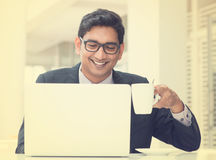 Junger asiatischer indischer Geschäftsmann der Weinlese Stockbilder