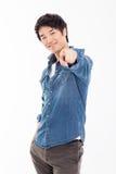 Junger asiatischer Mann zeigen Sie an Stockfotos
