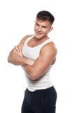 Junger athletischer Mann im weißen Hemd Lizenzfreie Stockbilder
