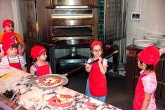 Junger Bäcker Stockfotos