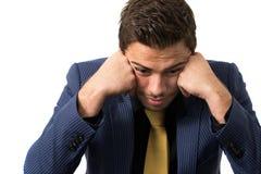 Junger betonter überwältigter Geschäftsmann lizenzfreies stockbild