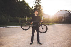 Junger BMX Fahrradmitfahrer Lizenzfreie Stockfotografie