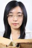 Junger chinesischer weiblicher Kursteilnehmer Stockbilder