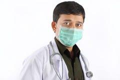 Junger Doktor in der Schablone Lizenzfreie Stockbilder