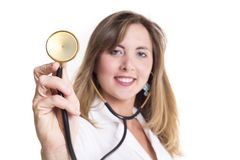 Junger Doktor mit einem Stethoskop Stockfotos