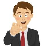 Junger erfolgreicher Geschäftsmann, der Finger auf Sie lächelnd zeigt lizenzfreie abbildung