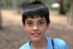 Junger eurasischer Junge lizenzfreie stockfotos