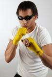 Junger, farbiger Boxer im Training Lizenzfreie Stockfotos