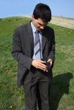 Junger Geschäftsmann gesorgt stockbilder