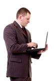 Junger Geschäftsmann mit Notizbuch stockbilder