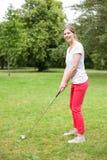 Junger Golfspieler Lizenzfreie Stockbilder