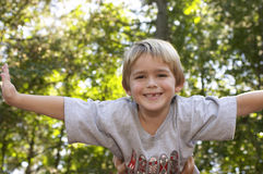 Junger Junge lizenzfreie stockfotografie
