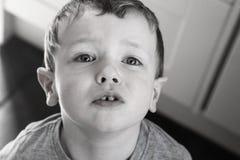 Junger Junge stockfotografie