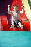 Junger Junge auf Supergefäß Lizenzfreie Stockbilder
