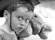 Junger Junge, der Cowboy spielt Stockfotografie