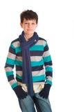 Junger Junge warm gekleidet stockbild