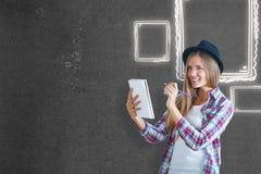 Junger Künstler mit Skizze Lizenzfreies Stockfoto