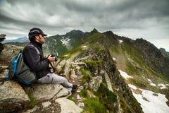 Junger kaukasischer Wanderer Lizenzfreie Stockbilder